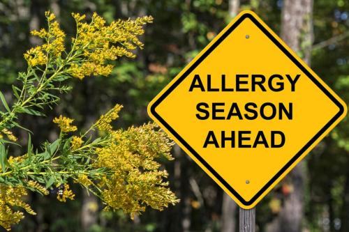 Seasonal spring allergy sign